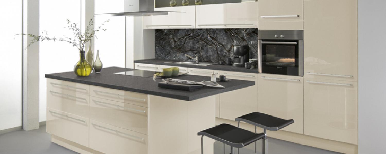 hochglanz magnolienweiss lackiert ihr k chenpartner holger baake g nstige einbauk chen im. Black Bedroom Furniture Sets. Home Design Ideas