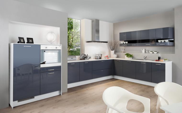 g nstige k chen mit elektroger ten neuesten design kollektionen f r die familien. Black Bedroom Furniture Sets. Home Design Ideas